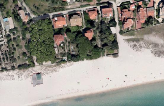 Margine Rosso, Front Beach Villa