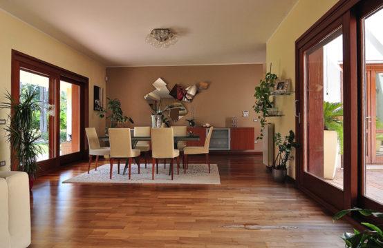 Oristano, Villa rifinitissima con Giardino e Agrumeto