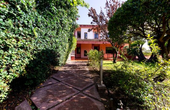 Margine Rosso, Elegant Three Level Villa